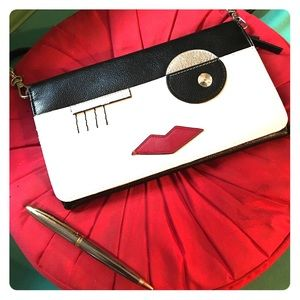 NINE WEST face graphic crossbody clutch purse